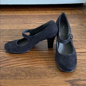 Worn once, Aerosoles, Black, Mary Jane heels